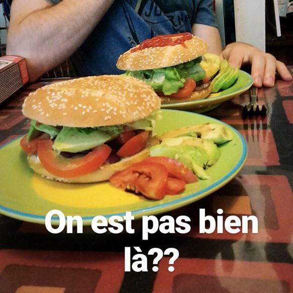 Burger à l'avocat (végétarien)