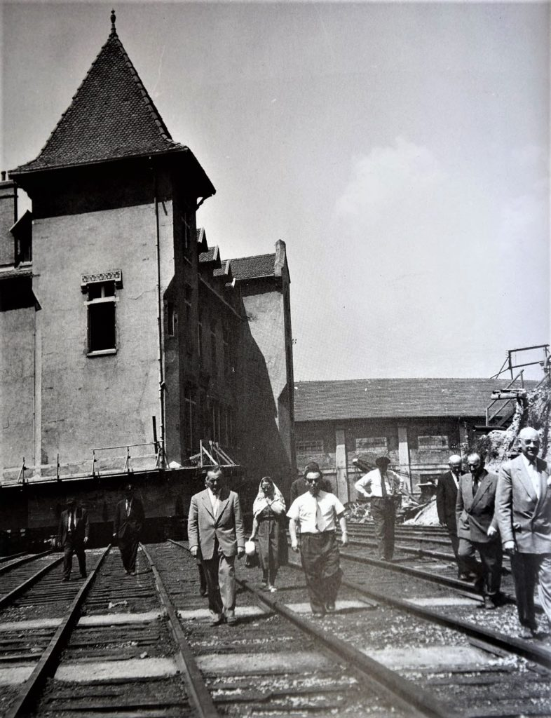 Déplacement sur rails du château Bergès - 1957